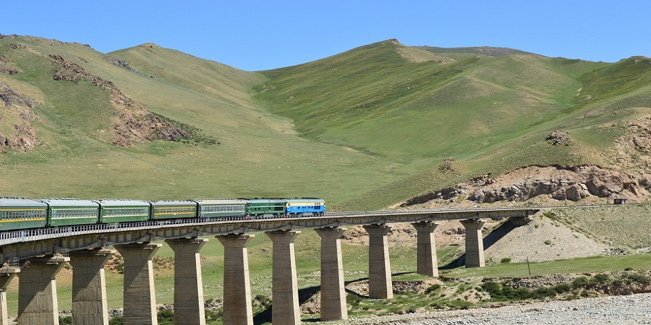 Train sur la Route de la Soie en Chine