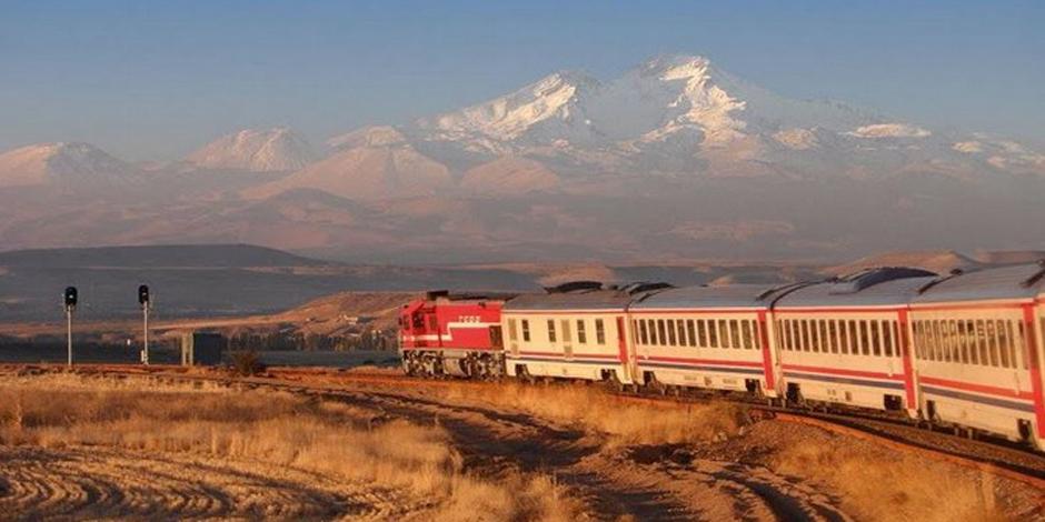 Train Persian Explorer