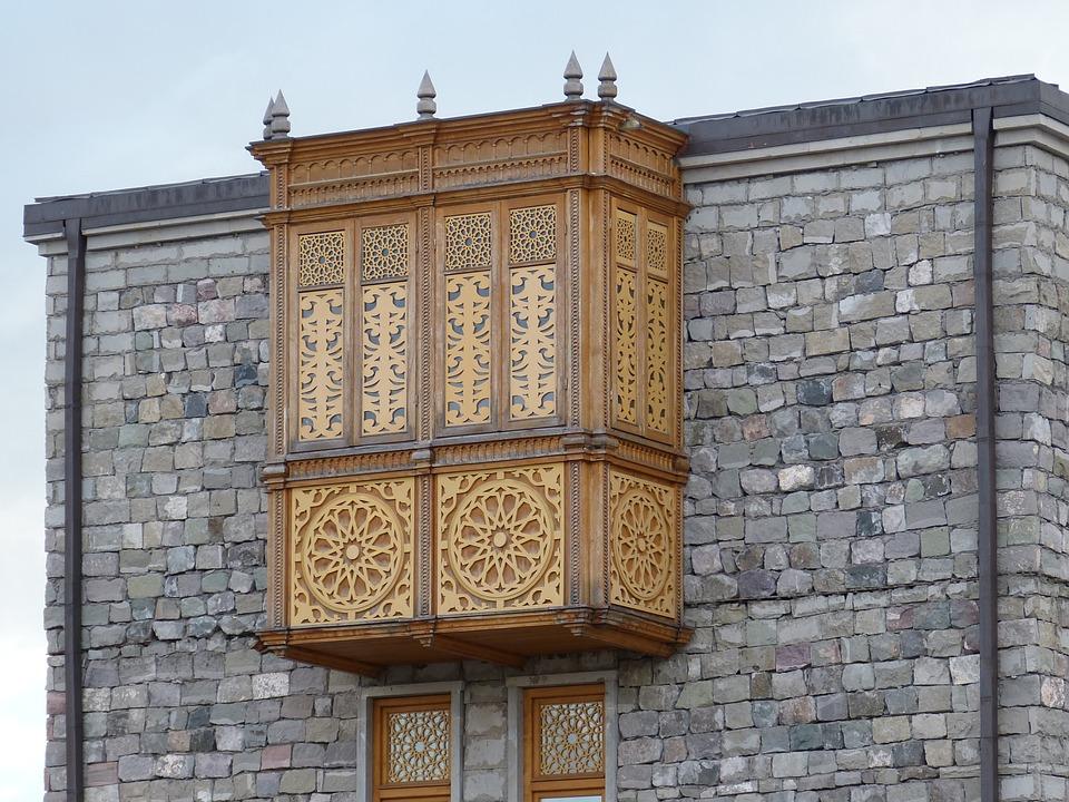 Tour du Château de Rabati